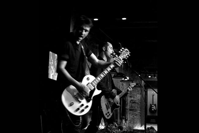 Velvetine au Hard Rock Cafe de Marseille le 7 Juin 2015